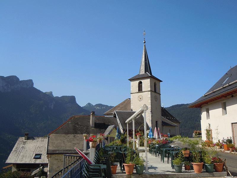 Découvrez la Chartreuse et l'église de Corbel - Herbe Tendre