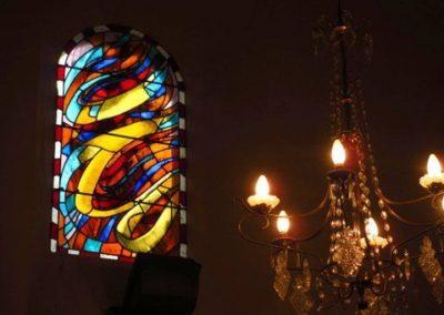 L'église de Corbel et les vitraux réalisé par Arcabas